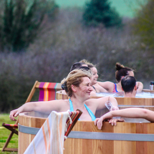 Outdoor spa at Bourn | February 2017 | Bathing under the Sky