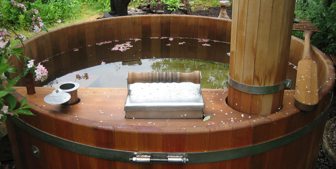 Homemade wood hot tub new design woodworking - Spa en bois exterieur ...