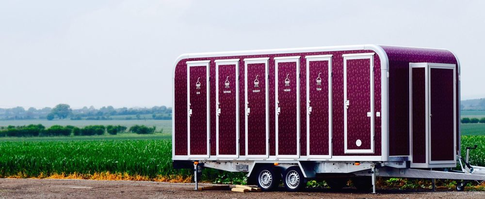 Premium shower trailers